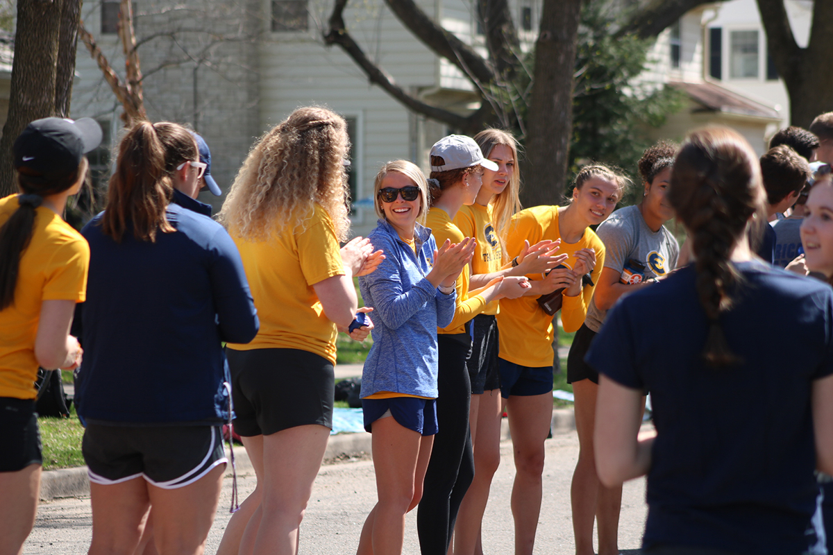 Student+organizations+from+UW-Eau+Claire+show+their+support+for+the+runners+on+Sunday.