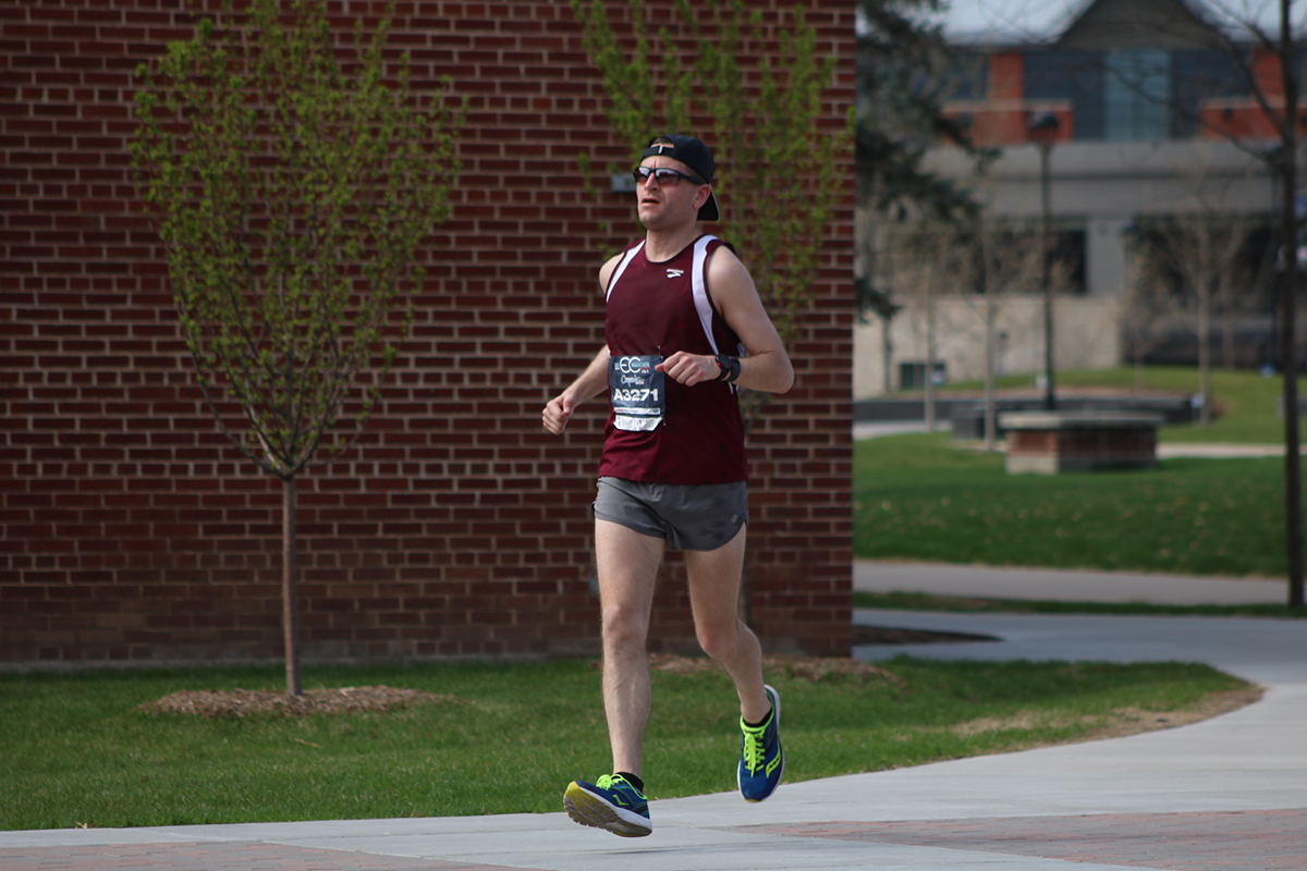 The+race+includes+a+stretch+running+through+the+UW-Eau+Claire+campus%2C+called+%E2%80%9CThe+Blugold+Mile.%E2%80%9D