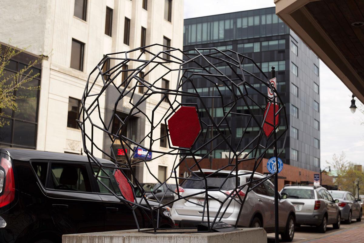 A+new+sculpture+replaces+Tim+James+and+Aiden+Demarais%E2%80%99+fairly+popular+piece%2C+entitled+%E2%80%9CYosemite.%E2%80%9D