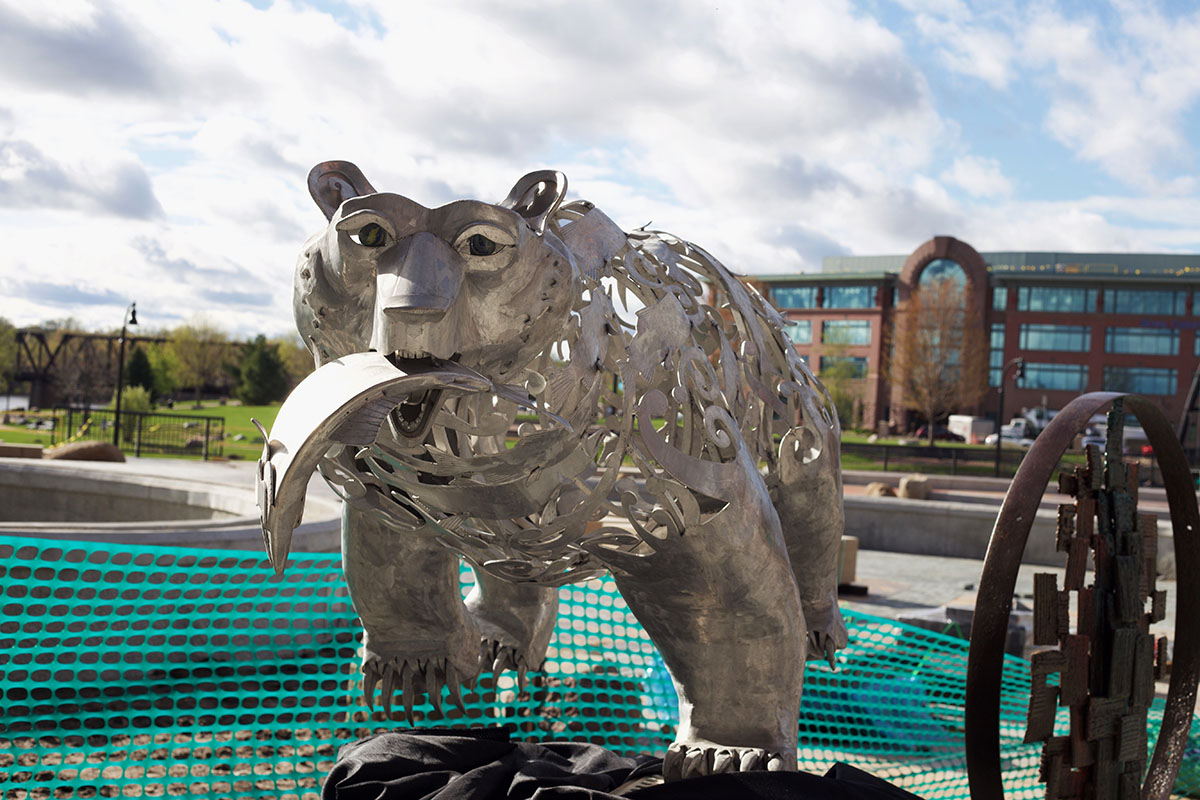 The+aluminum+bear%2C+%E2%80%9CSalmon+Runner%2C%E2%80%9D+with+designs+of+fish+in+the+structure%2C+has+been+viewed+by+the+public+for+over+a+year+by+artist+Heather+Wall.+
