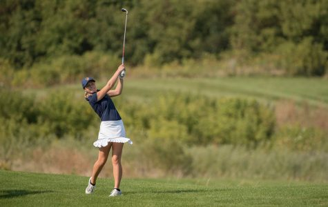 Blugold golf teams looking to improve records from last year.