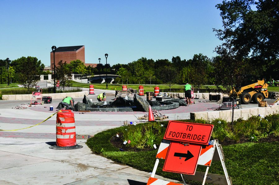 Construction+continues+on+the+UWEC+campus+with+a+fountain+as+the+newest+addition.+%0A