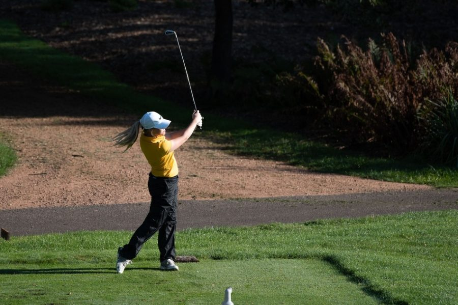 The Blugolds' short game helped gain them a second place spot in their home tournament