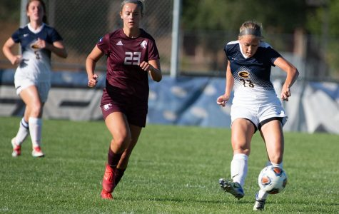 Blugolds win at home against Platteville Pioneers