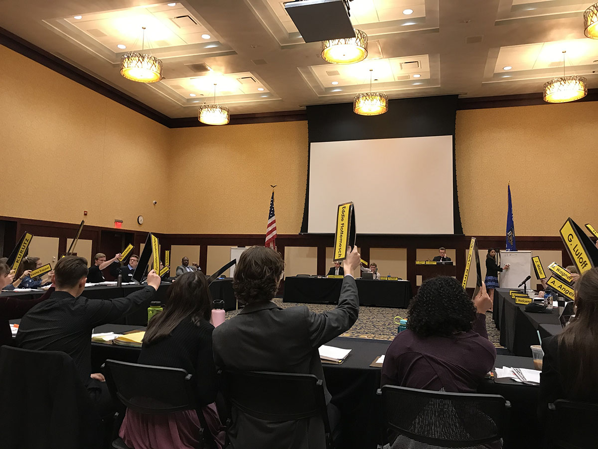 Student Senate unanimously passed two budgets and two resolutions at Monday night's meeting.
