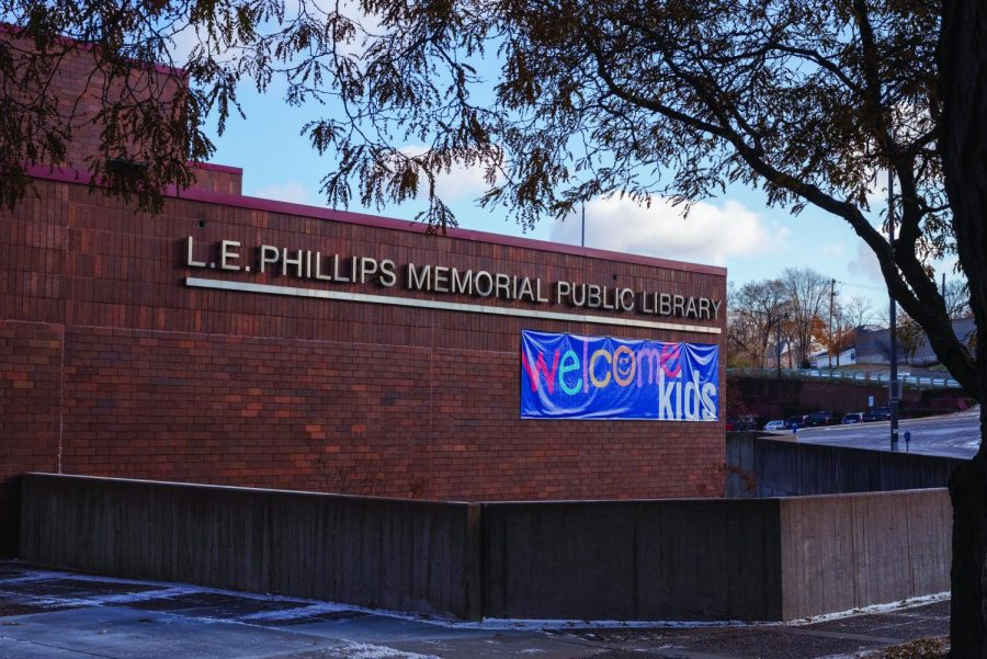 L.E.+Phillips+Memorial+Public+Library+held+game+events+%E2%80%94+including+cribbage%2C+cards+and+Putt-Putt+mini+golf+%E2%80%94+for+International+Games+Week.