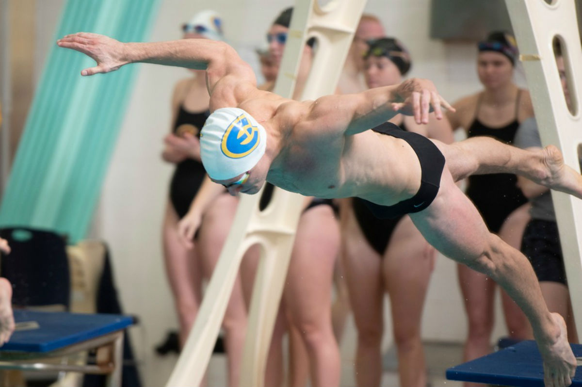 The men's swim and dive team came away with a tie against UW-La Crosse this past weekend.