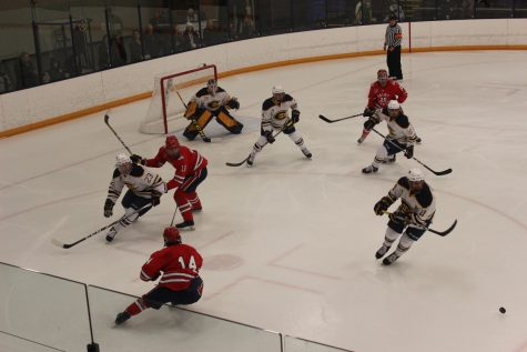 Men's hockey ties 3-3 with Marian University Sabres on Saturday night