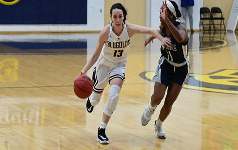 Women's basketball wins against UW-Stevens Point