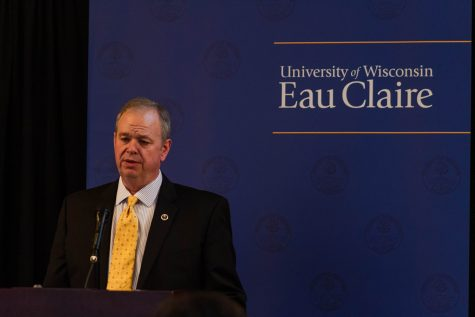 UW-Eau Claire administrator said to leave turmoil in his wake