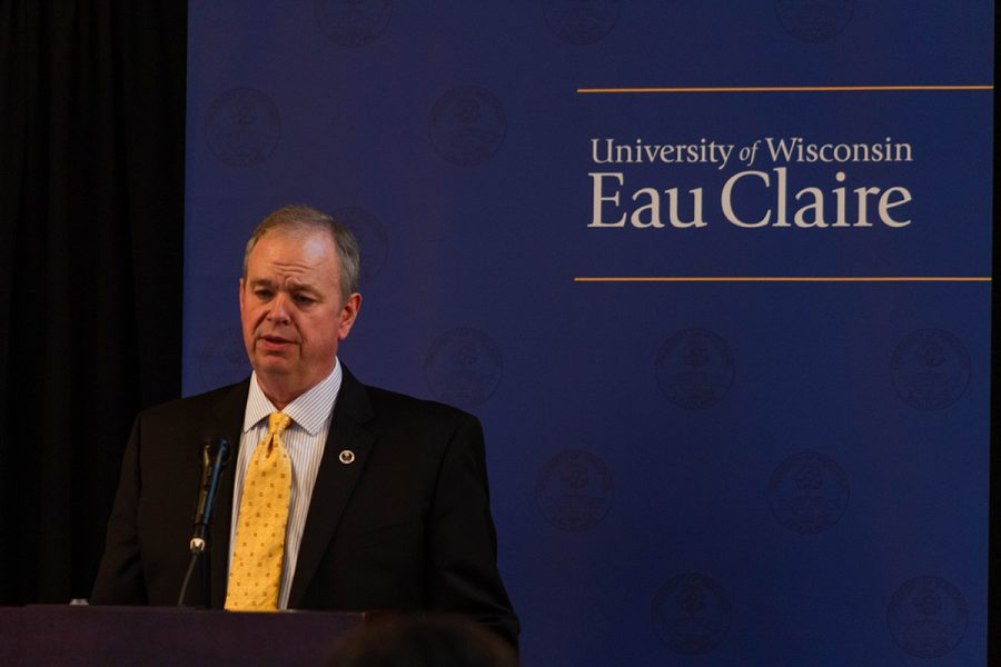 UW-Eau+Claire+to+transition+to+online+instruction