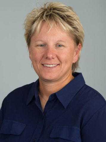 eslie Huntington, UW-Eau Claire's Women's softball head coach, is a 2021 National Fastpitch Coaches Association Hall of Fame inductee.